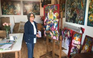 """Mara Tranlong finalise les dernières œuvres pour son exposition """"Les Vendanges de Montmartre - Agapes"""""""